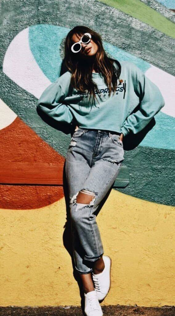 Because women look great in pants, here are some interesting designs and outfits with pants for women.